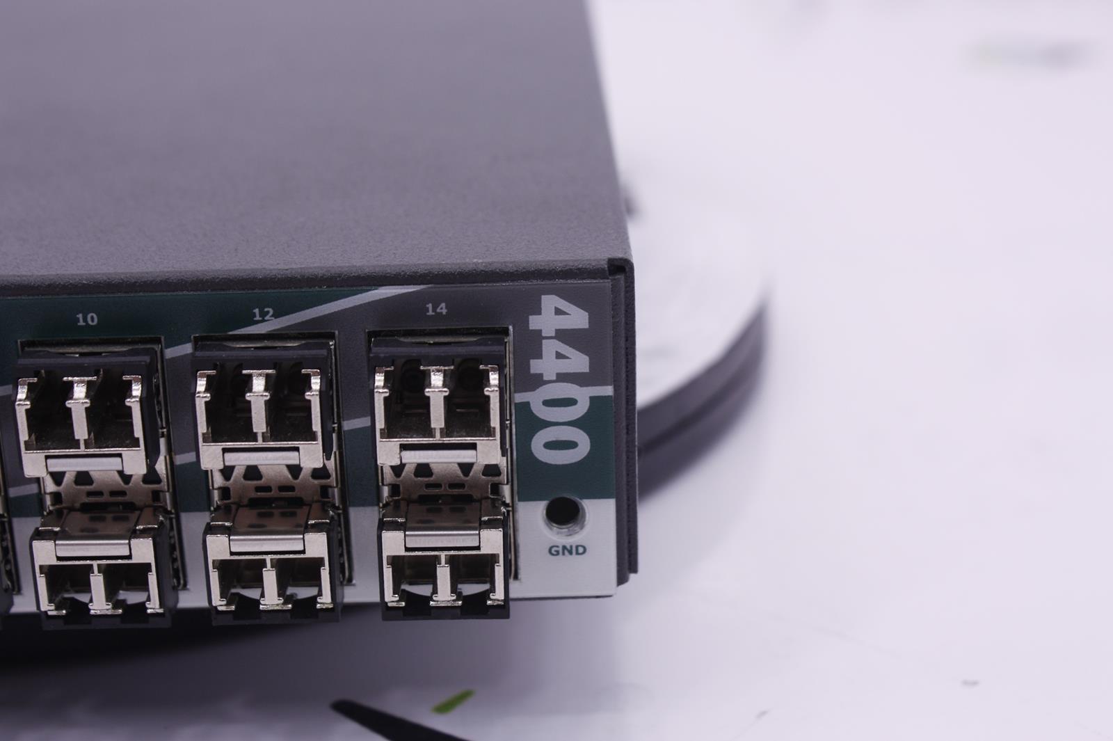 25260-ES-4400_29885_base